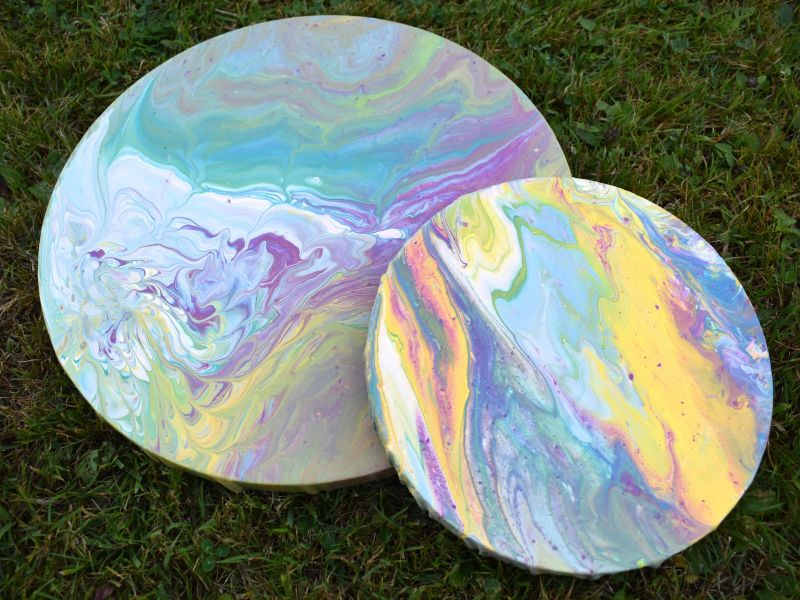 Pouring - nalévání barev na plátna 13. 9. 2019 PÁ